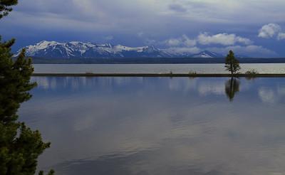 090620_WY_YNP_Lake_2632r1b