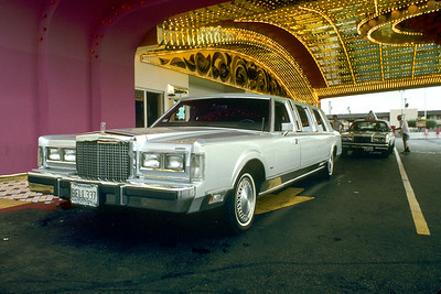 Bell Limo in front of Circus Circus.