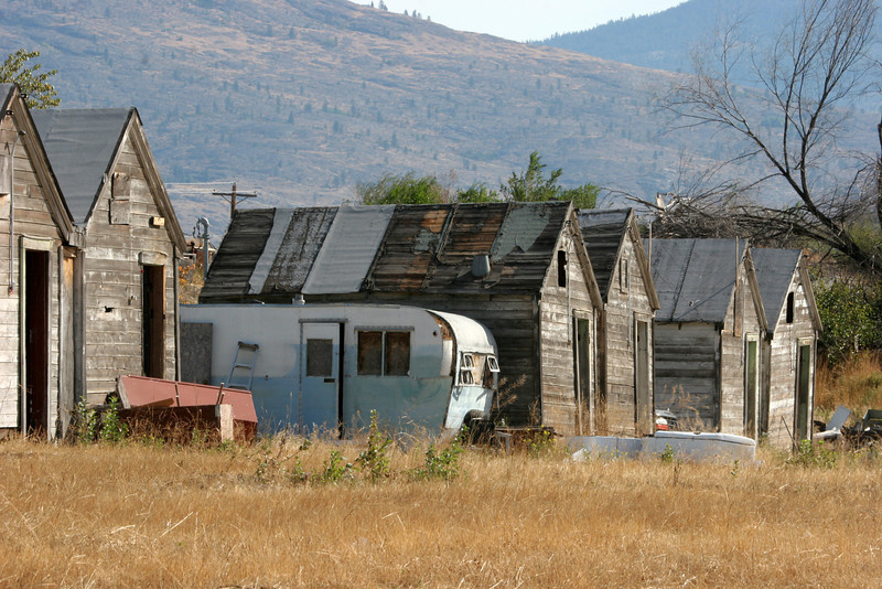 It once housed migrant workers who worked the apple orchards and fields of eastern Washington.....now they too are gone.