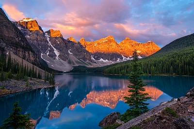 Golden Sunrise at Moraine Lake  |  Rocky Mountains, Canada