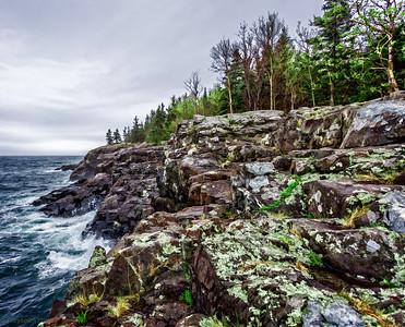 The eautiful cliffs at Acadia