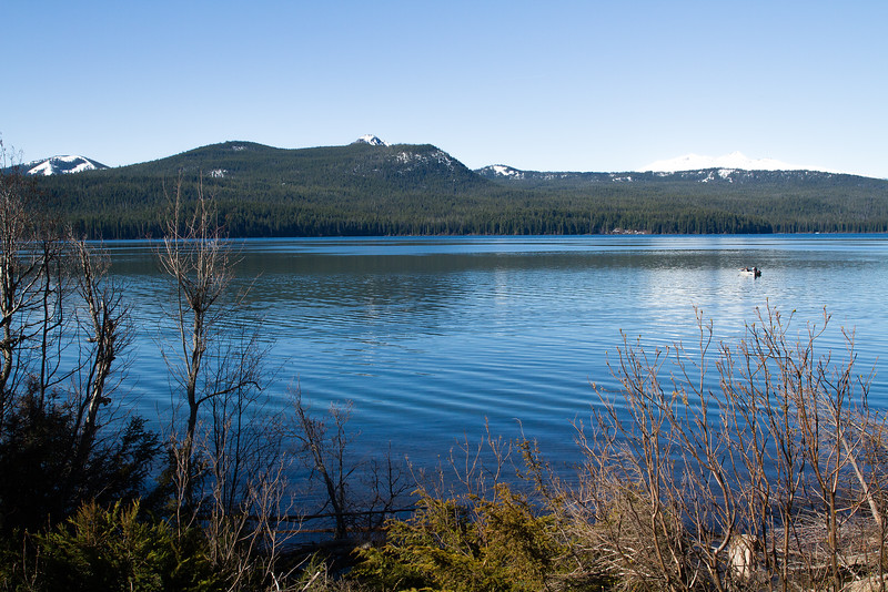 Odell Lake with Diamond Peaks in the background