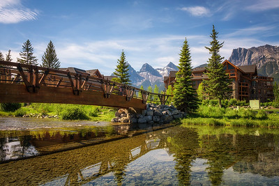 Hotels in Canmore in canadian Rocky Mountains