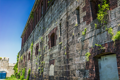 Grand defence walls