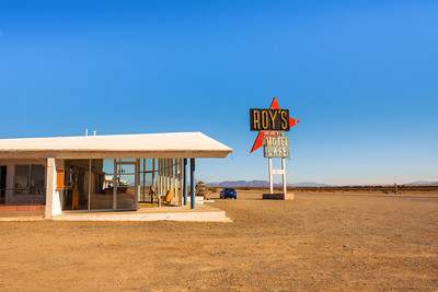 Roy's motel and cafe  on historic Route 66