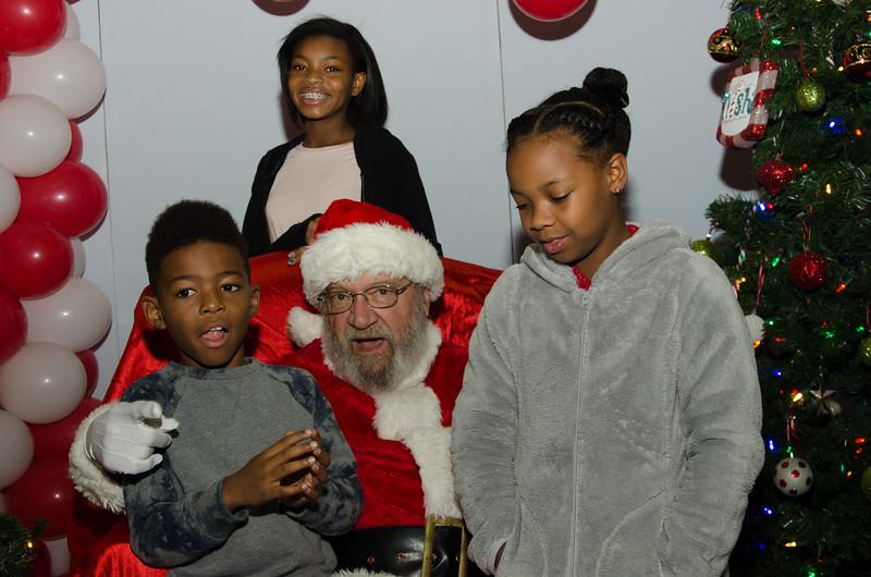 2016 AA DFW Rec Cmte Santa-4829