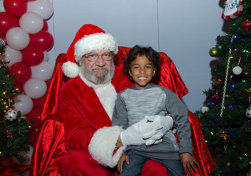 2016 AA DFW Rec Cmte Santa-5035
