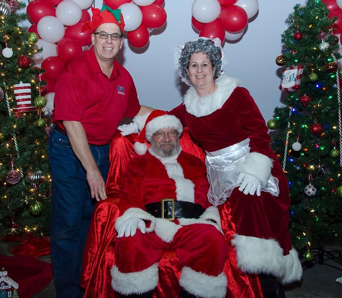 2016 AA DFW Rec Cmte Santa-5161