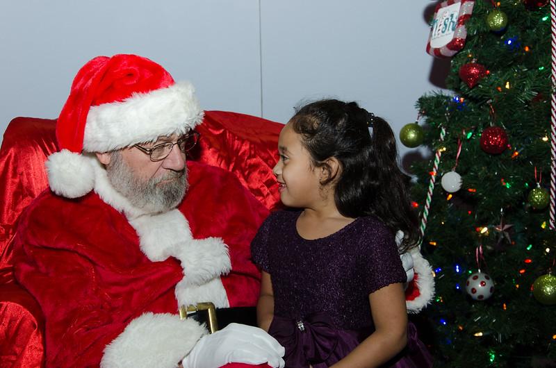 2016 AA DFW Rec Cmte Santa-4816