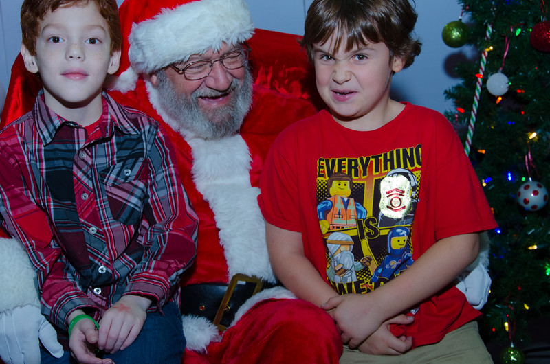 2016 AA DFW Rec Cmte Santa-4856