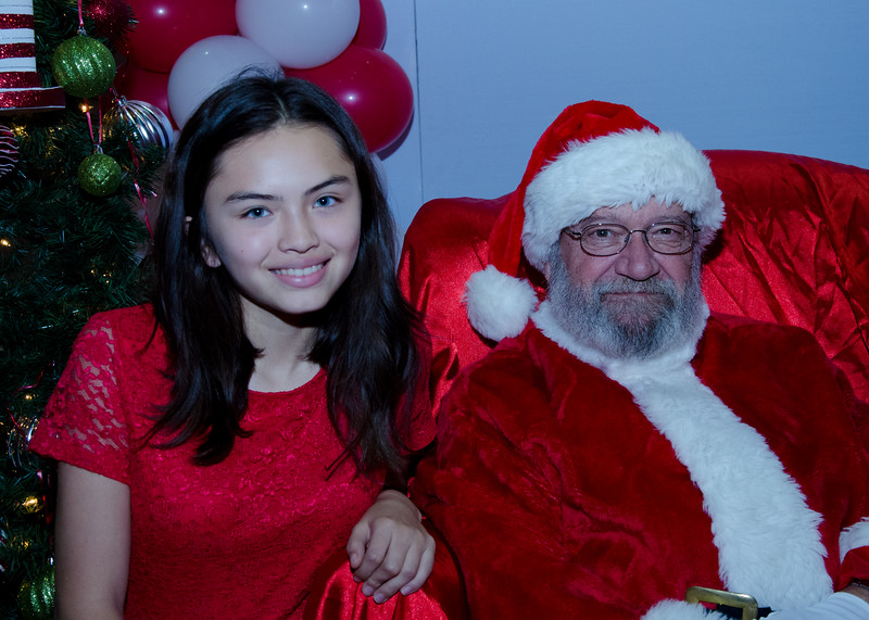 2016 AA DFW Rec Cmte Santa-5133