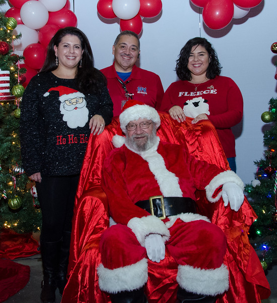 2016 AA DFW Rec Cmte Santa-5147-2