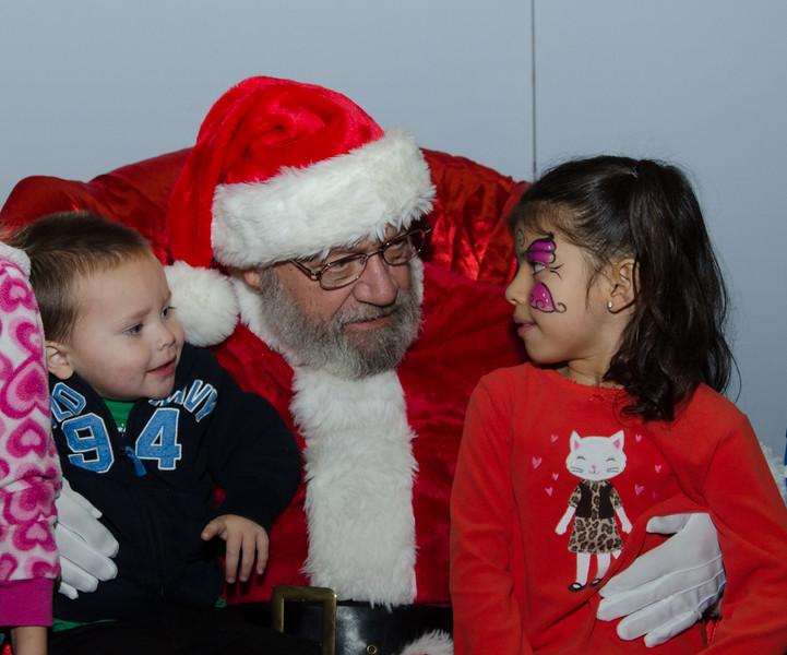 2016 AA DFW Rec Cmte Santa-4678