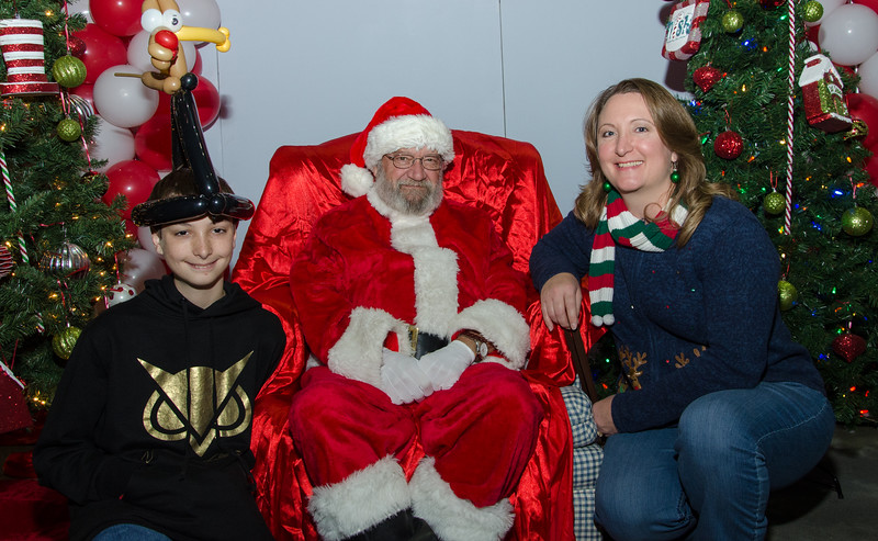 2016 AA DFW Rec Cmte Santa-4737
