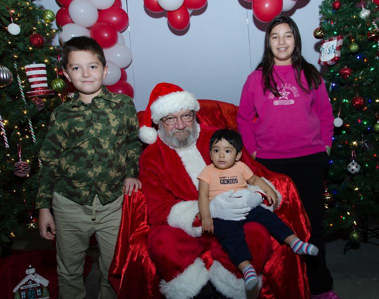 2016 AA DFW Rec Cmte Santa-5124
