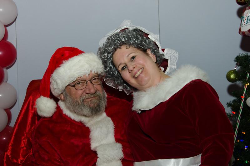 2016 AA DFW Rec Cmte Santa-4785