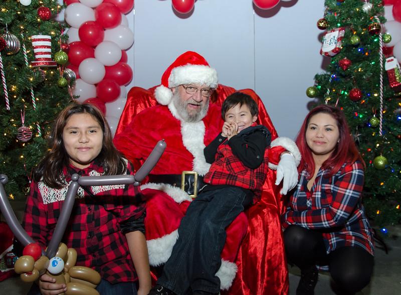 2016 AA DFW Rec Cmte Santa-5023