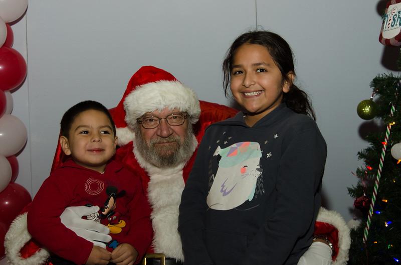 2016 AA DFW Rec Cmte Santa-4670