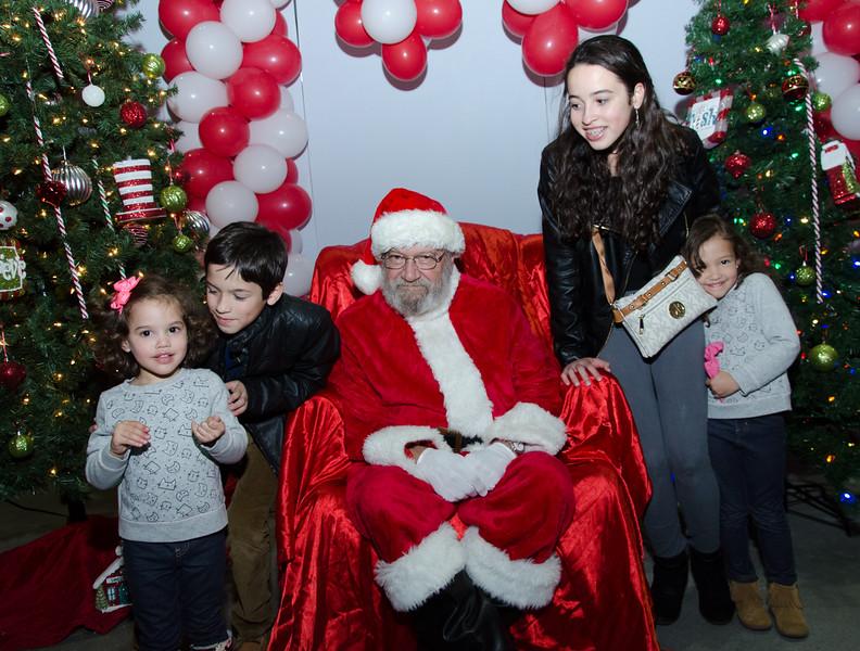 2016 AA DFW Rec Cmte Santa-5126
