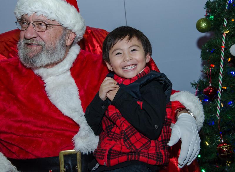 2016 AA DFW Rec Cmte Santa-5021