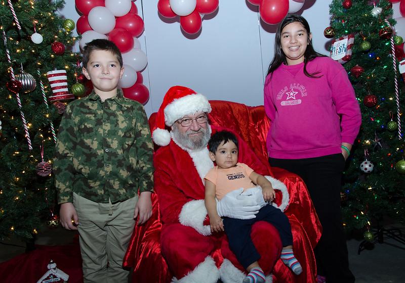 2016 AA DFW Rec Cmte Santa-5123