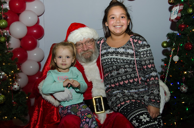 2016 AA DFW Rec Cmte Santa-4755