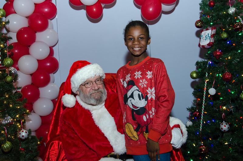 2016 AA DFW Rec Cmte Santa-5040