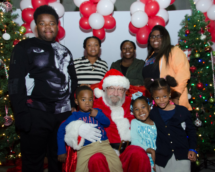 2016 AA DFW Rec Cmte Santa-4879