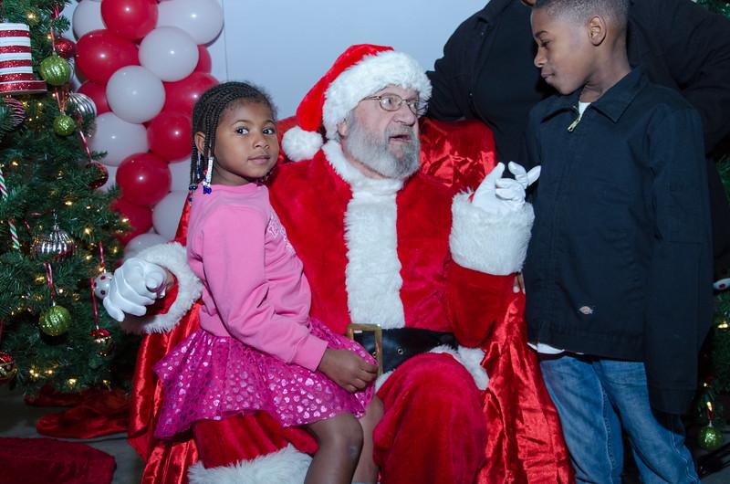 2016 AA DFW Rec Cmte Santa-4926
