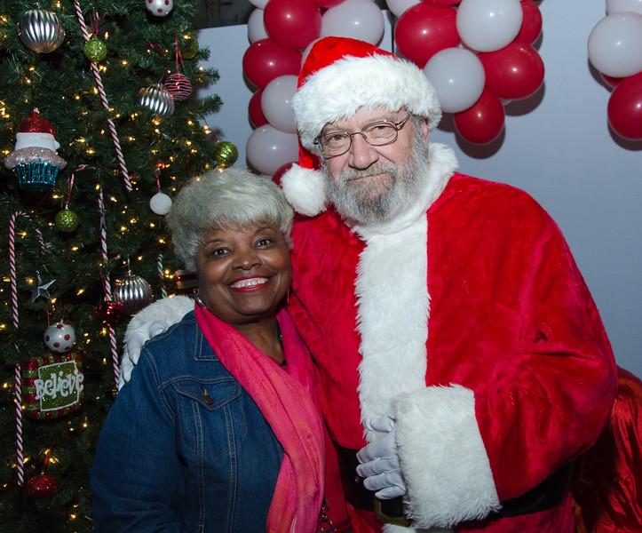 2016 AA DFW Rec Cmte Santa-5166