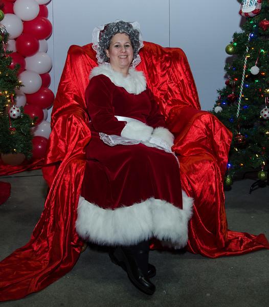 2016 AA DFW Rec Cmte Santa-5165