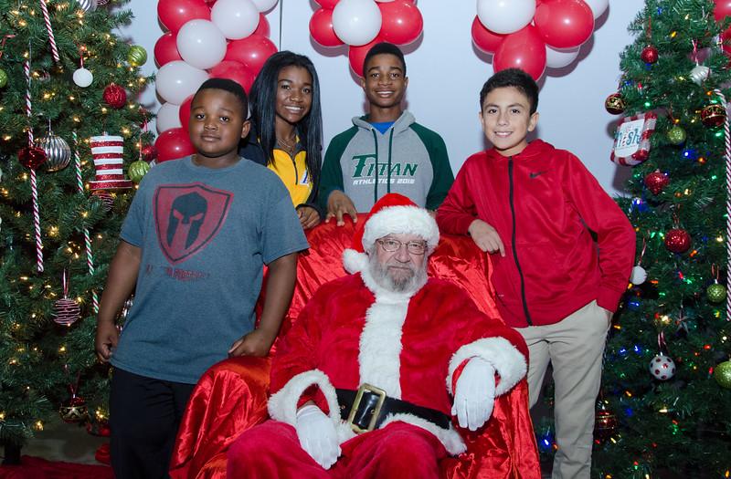 2016 AA DFW Rec Cmte Santa-4923