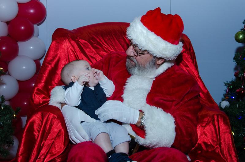 2016 AA DFW Rec Cmte Santa-4917