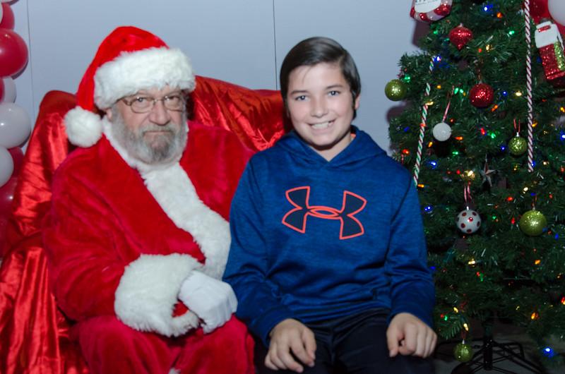 2016 AA DFW Rec Cmte Santa-4971