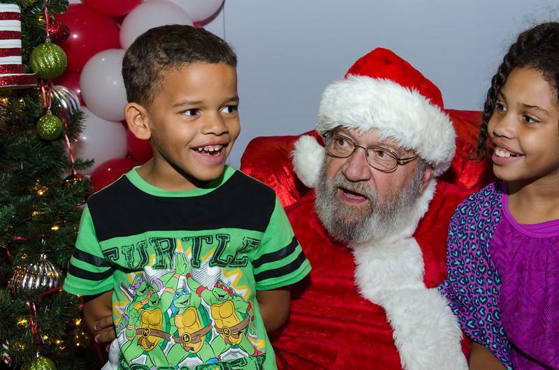 2016 AA DFW Rec Cmte Santa-4889