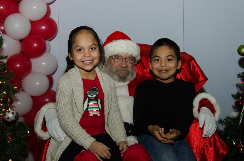 2016 AA DFW Rec Cmte Santa-4666