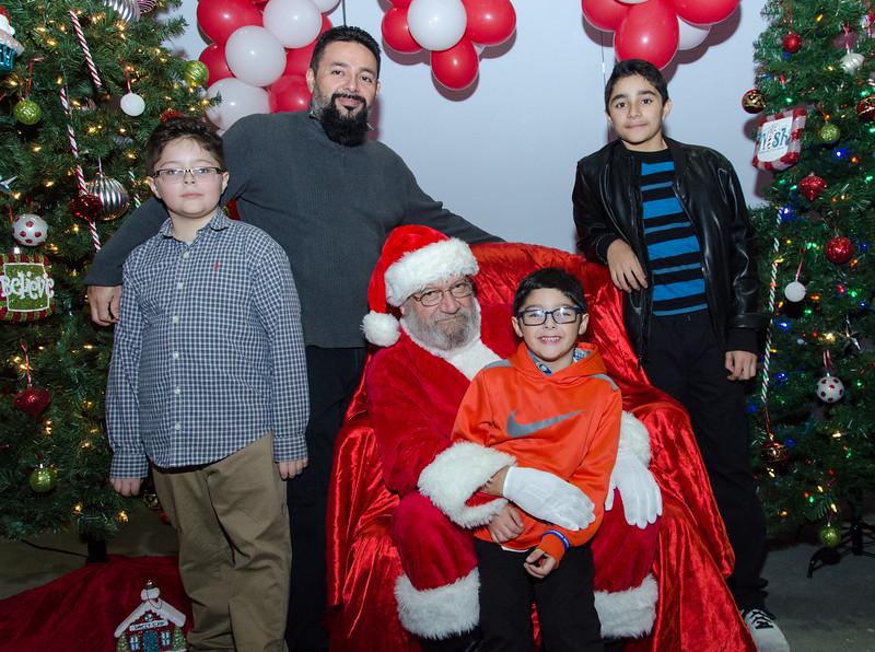2016 AA DFW Rec Cmte Santa-5088