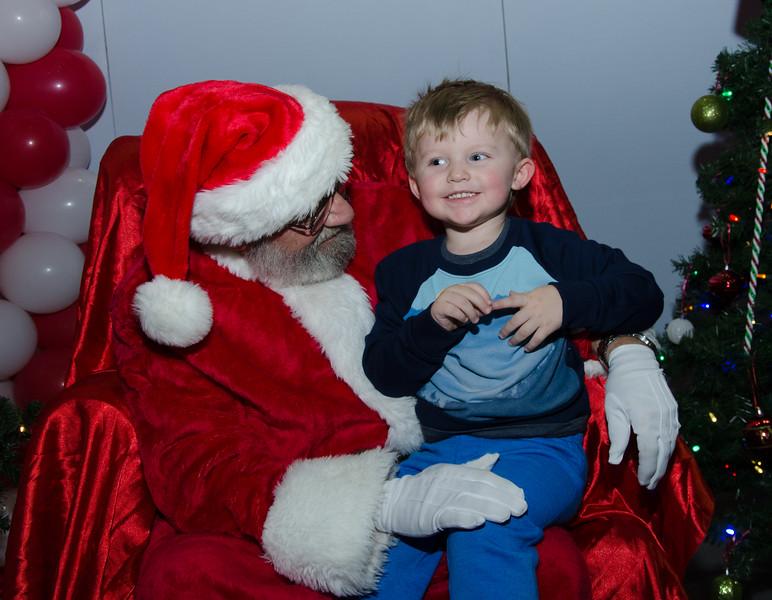 2016 AA DFW Rec Cmte Santa-5137