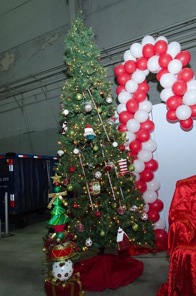 2016 AA DFW Rec Cmte Santa-4747