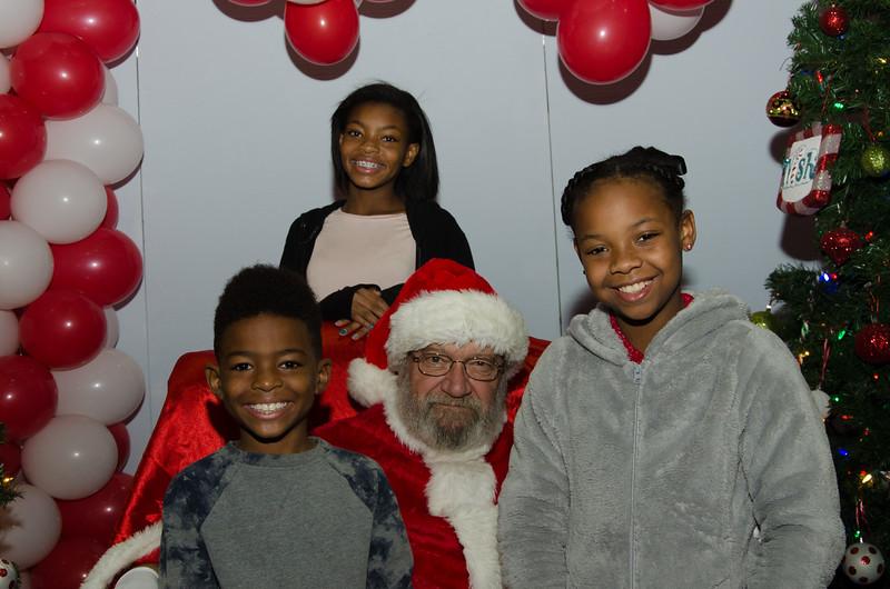 2016 AA DFW Rec Cmte Santa-4830