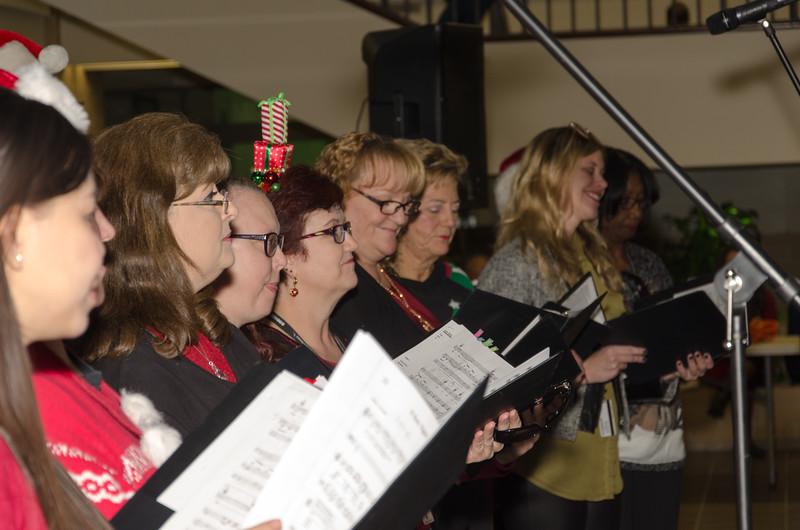 2016 AA Holiday Songs-5406