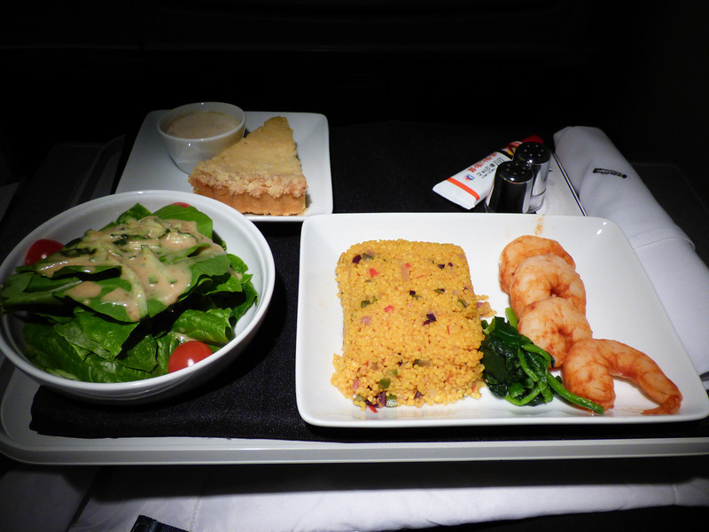 20140326 1650 ICN-DFW barbecue prawns served chilled with spinach and couscous salad