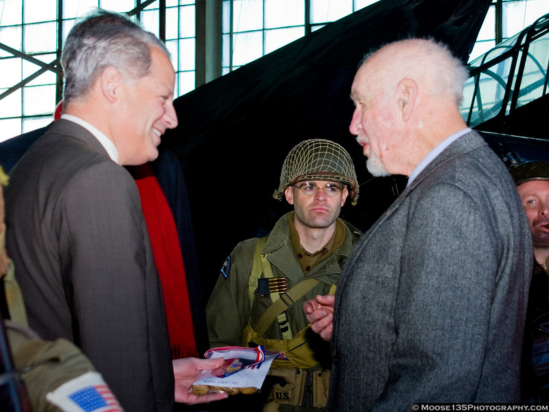 Congressman Israel speaks with a veteran of the Battle of the Bulge.