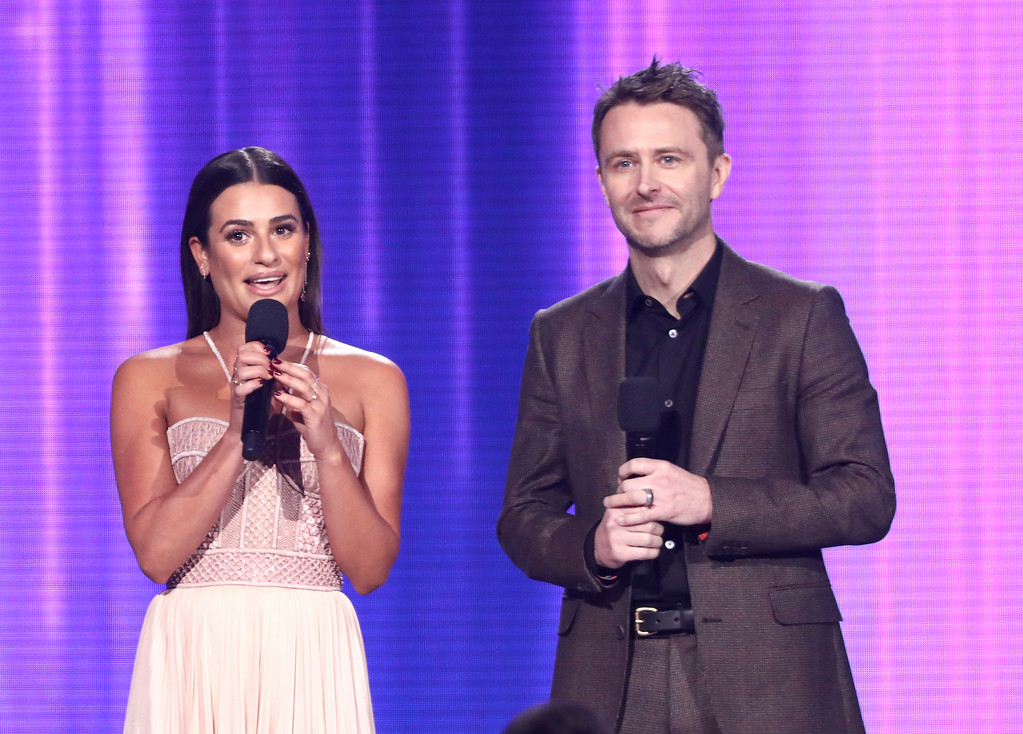 . Lea Michele, left, and Chris Hardwick present a performance by Nick Jonas at the American Music Awards at the Microsoft Theater on Sunday, Nov. 19, 2017, in Los Angeles. (Photo by Matt Sayles/Invision/AP)