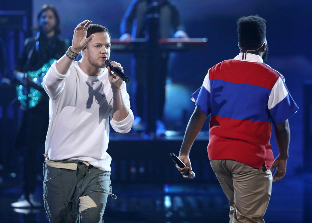 . Dan Reynolds, left, of Imagine Dragons, and Khalid perform at the American Music Awards at the Microsoft Theater on Sunday, Nov. 19, 2017, in Los Angeles. (Photo by Matt Sayles/Invision/AP)