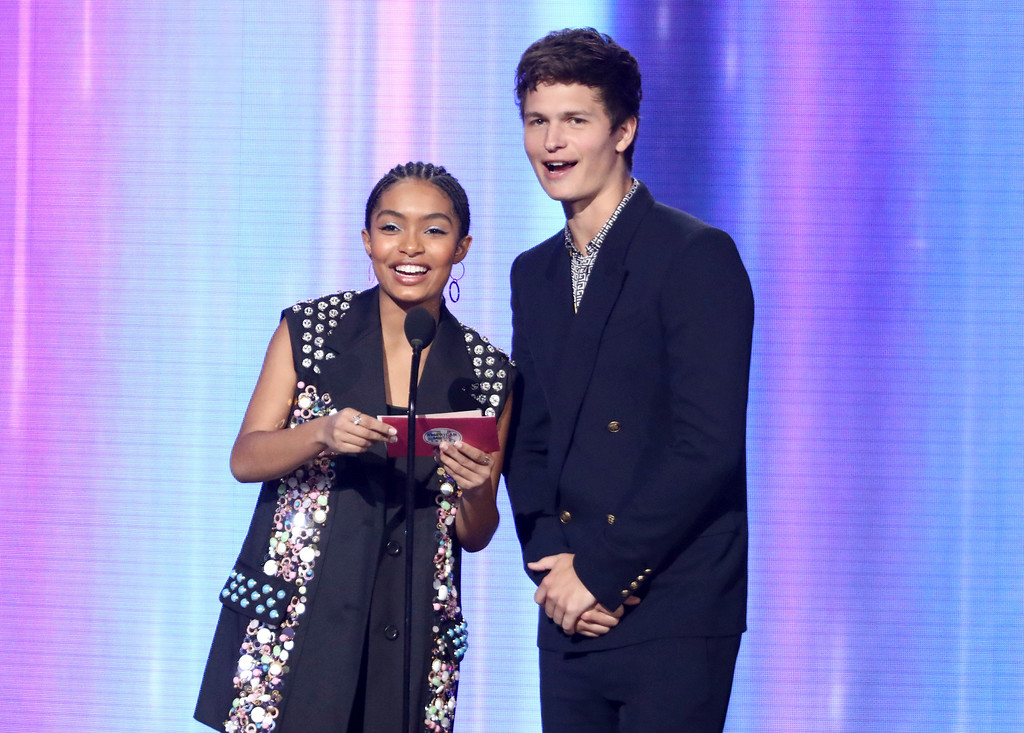 . Yara Shahidi, left, and Ansel Elgort present the award for favorite female artist at the American Music Awards at the Microsoft Theater on Sunday, Nov. 19, 2017, in Los Angeles. (Photo by Matt Sayles/Invision/AP)