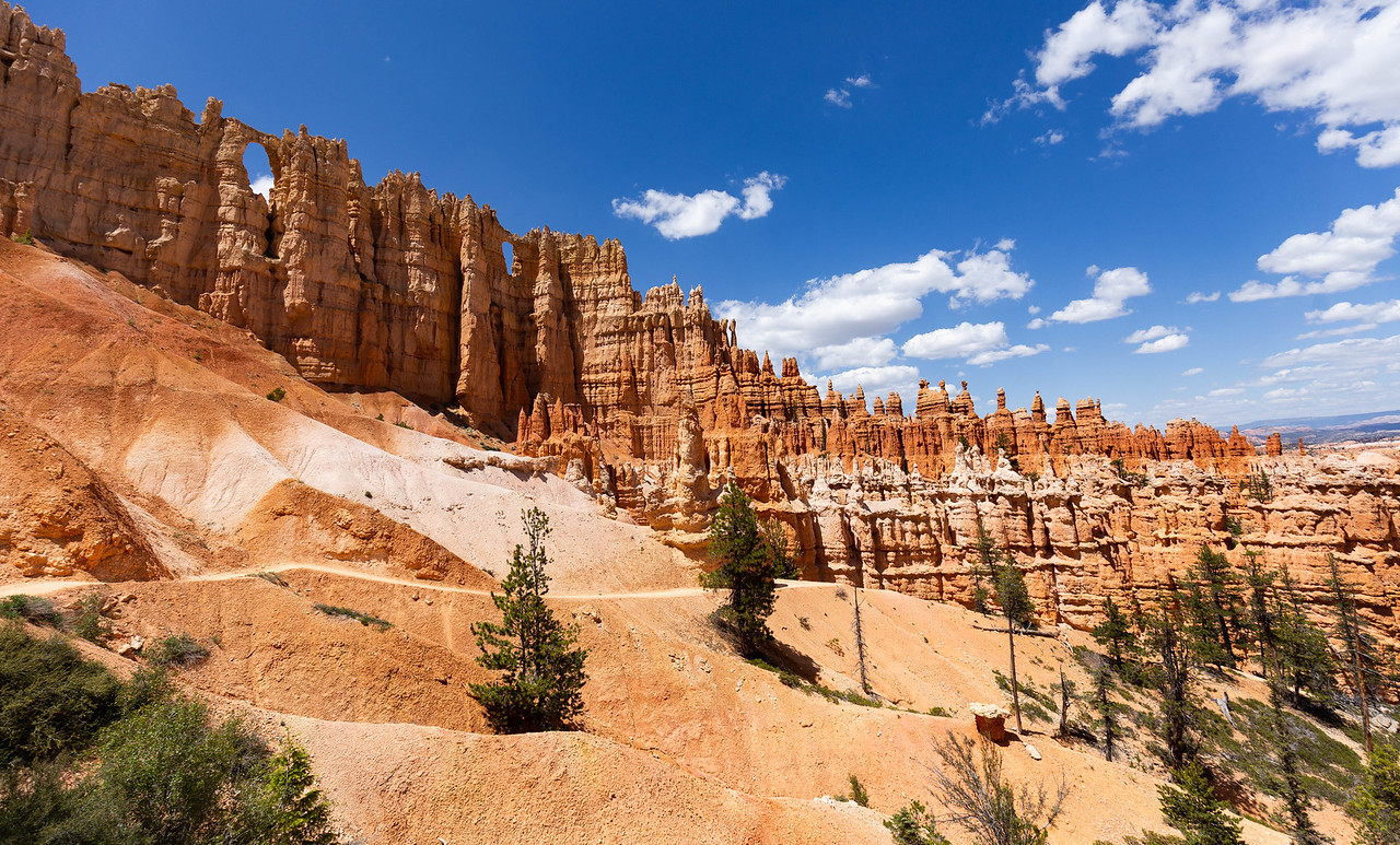 Along the Hoodoo trail, Bryce Canyon NP