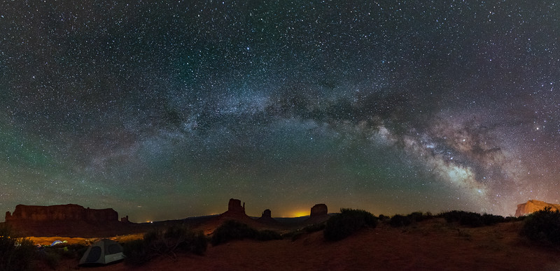 The Milky-way rising over West and East Mitten Buttes
