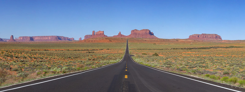 Highway 163 through Monument Valley (the Forrest Gump road)
