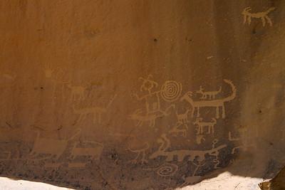 Petroglyphs behind Una Vida Pueblo